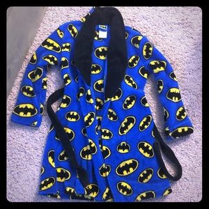 NWT Boys Blue Batman Fluffy Robe size 7